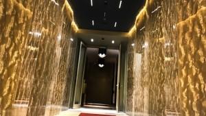 acrylic couture Cancello Gold